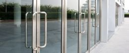 алюминиевые двери заказать